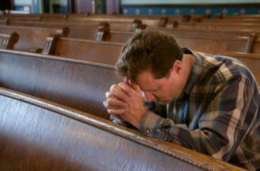 Kardinal Sarah: Zašto bismo tijekom molitve trebali šutjeti