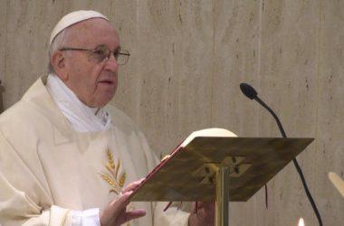 Papa Franjo: prema onima koji traže skandal, šutnja i molitva