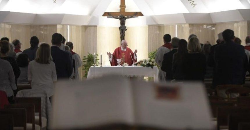 Papa Franjo u Svetoj Marti: đavao koristi licemjere, a Isus poučava o istinskoj ljubavi