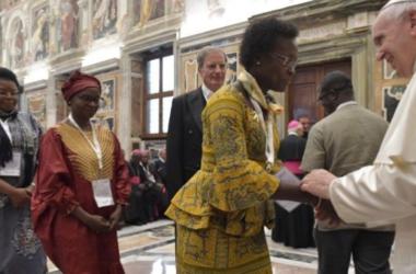 Papa Franjo upozorio na širenje novih oblika ksenofobije i rasizma