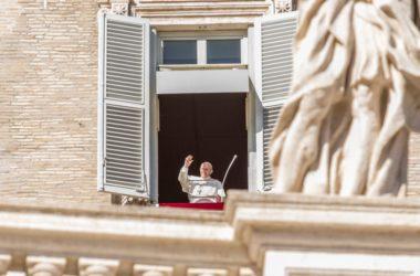 Papa Franjo: Put služenja najbolji je lijek protiv bolesti prvih mjesta