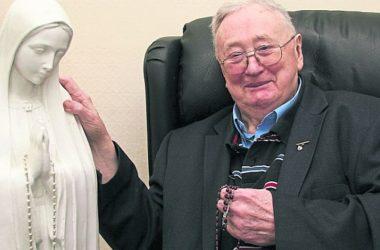 IRSKA Čudesno ozdravio nakon što je na kip Djevice Marije stavio krunicu iz Međugorja