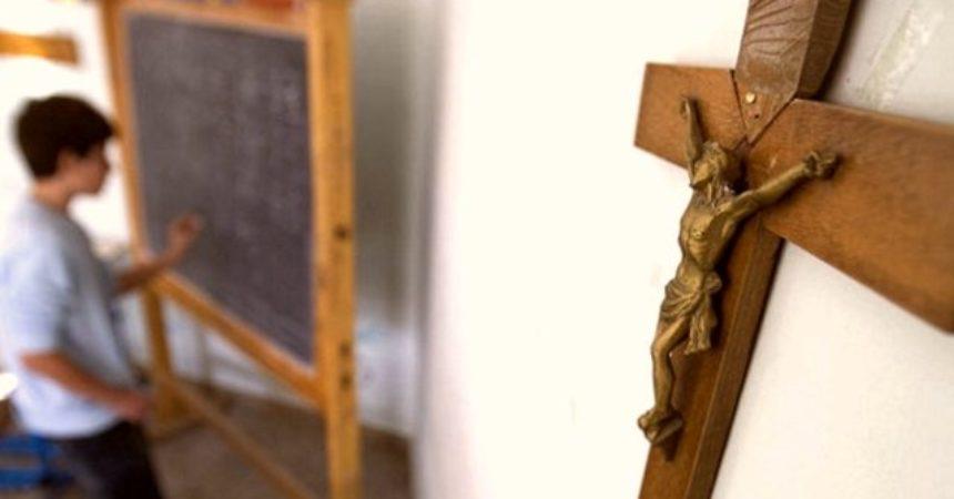 AJME, LUDILO! I ITALIJA BUDI KRISTA U EUROPI: Vraćaju raspela na javna mjesta!
