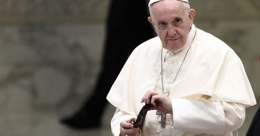 Papa Franjo: U tišini učimo promatrati Božje djelo