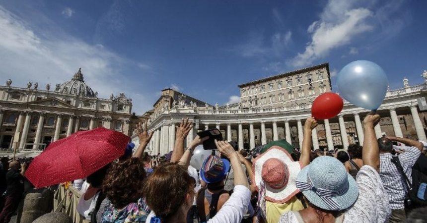 Papa Franjo: Za ispovijedanje vjere u Krista potrebne su i konkretne geste