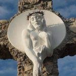 VELIČANSTVENO! Križ izrađen od kamenja iz Međugorja i s Krbavskog polja posvećen nerođenima