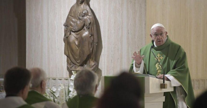 Papa Franjo u Svetoj Marti: Jao kršćanima licemjerima koji ostavljaju Isusa u crkvi
