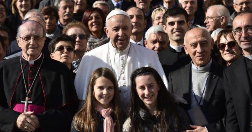 Papa: Ogovaranje ubija, kršćani istinom i ljubavlju svjedoče za Boga