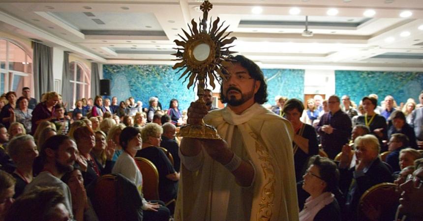 Vlč. Zlatko Sudac predvodio duhovnu obnovu posvećenu Vukovaru, nazočilo preko 500 sudionika