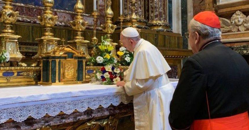 Papa Franjo se vratio u Vatikan
