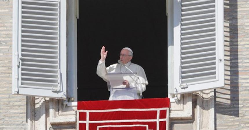 Papa Franjo: Trudite se živjeti u skladu sa svojim krsnim obećanjima