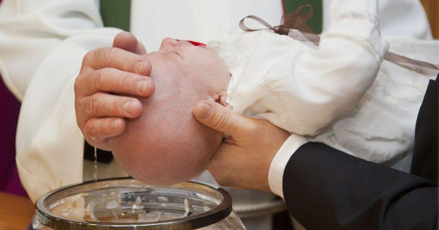 Sedam načina kako biti doista dobar krsni kum svom kumčetu?