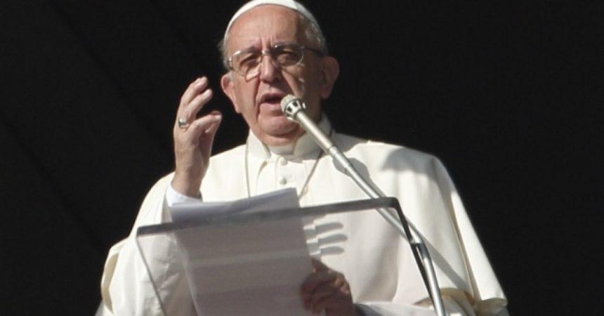 Papa Franjo: Dijelite svoja dobra i ne činite od njih idole. Vjera neka vam bude jaka