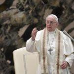 Papa: Isus ne želi licemjerje. Prava molitva se moli iskrenim srcem