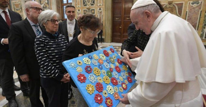Papa: Zaštita života koji se rađa temelj je općega dobra