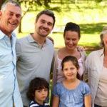 Četvrta zapovijed kaže : Poštuj oca i majku da dugo živiš i dobro ti bude