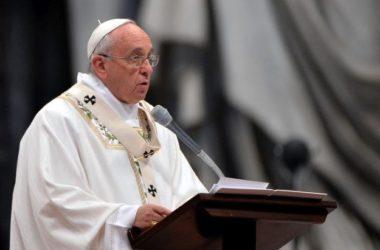 Papa: Moramo naći rješenje i odgovor na krik zemlje i vapaj siromašnih