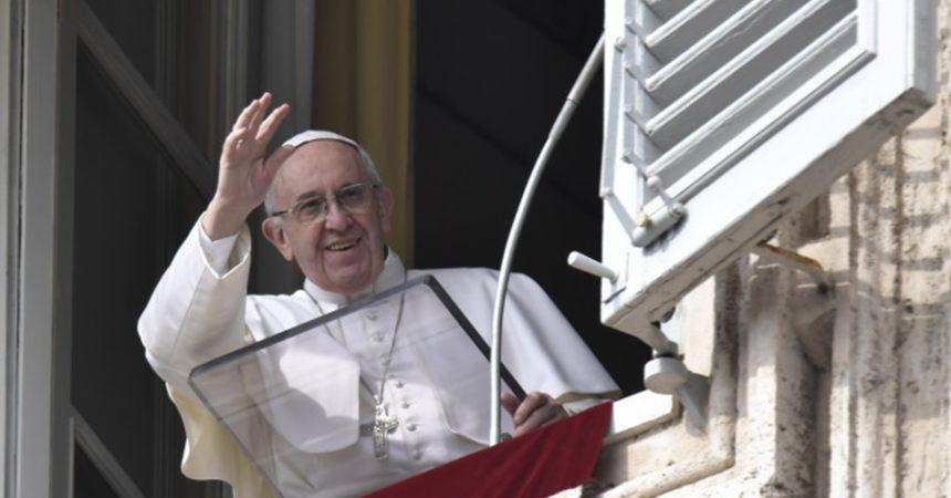 Papa Franjo: S đavlom se ne dijalogizira, treba mu odgovoriti Božjom riječi