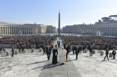 Papa Franjo: Hrana nije privatno vlasništvo nego za sve ; mislimo na gladnu djecu