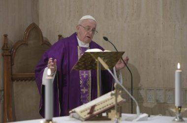 Papa: Tvrdo srce gubi vjernost, ogovara i kleveće Gospodina