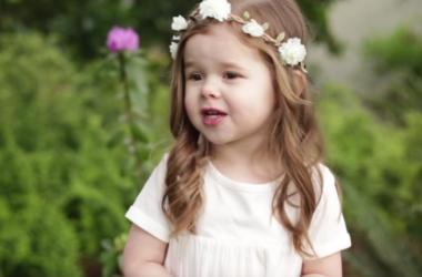 Djevojčica (3) je ganula milijune koji su čuli njenu pjesmu o Isusovoj muci