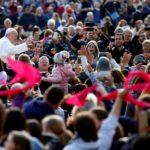 Papa Franjo: Otac nebeski nije tvorac zla