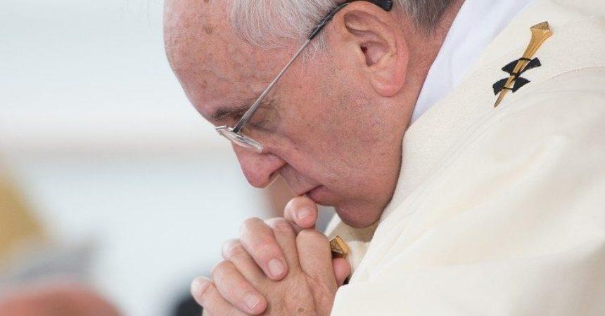 Papa Franjo: Bratstvo pobjeđuje nasilje onih koji bogohulno rabe Božje ime