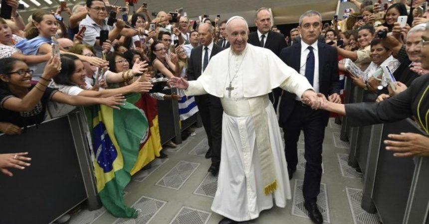 Papa: Prestanimo biti licemjerni kršćani; obraćenje treba zahvatiti naše džepove