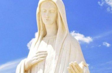 Gospa poziva na duhovni rast i više molitve u vašim obiteljima 02.08.2019