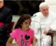 Papa hodočasnicima – Jeste li se pomolili za ovu djevojčicu?