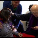 (VIDEO) Kipić Kraljice Mira iz Međugorja u prostoriji gdje je Gabriel Amorth molio egzorcizme!