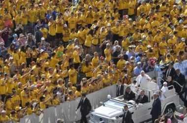 Papa: Nemojte se plašiti onih koji nam naređuju da šutimo, koji nas kleveću i nasrću na nas
