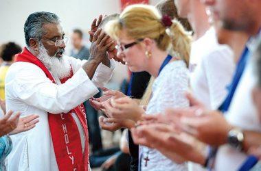 ŽELITE LI SE PRIDRUŽITI SVJETSKOM EVANGELIZACIJSKOM PROGRAMU O. JAMESA MANJACKALA TE UBRATI PLODOVE I MILOSTI?