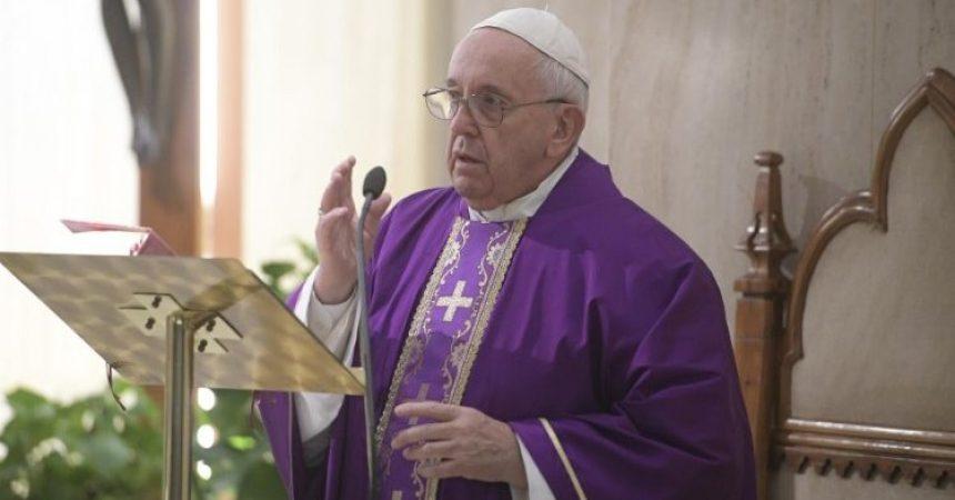 Papa: Nemojmo se žaliti, Gospodin nas nježnošću tješi i kažnjava