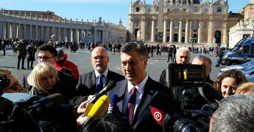 Papa Franjo primio u audijenciju premijera Andreja Plenkovića