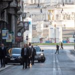 Papa pješice napustio Vatikan i hodočastio za prestanak pandemije