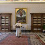 Papa Franjo: Očitujte Kristovo svjetlo u svojem životu