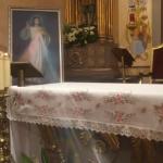 NA BLAGDAN BOŽJEG MILOSRĐA Iz slike Milosrdnog Isusa izlazile zrake svjetlosti!