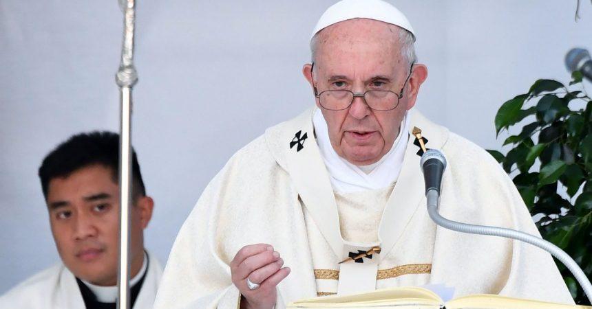 Papa. Poslušnost mjerama u vezi s pandemijom i opasnost ogovaranja