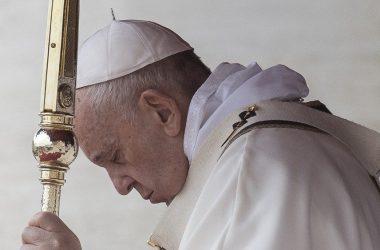 Papa Franjo: Molitva sije život i otvara vrata prema Bogu