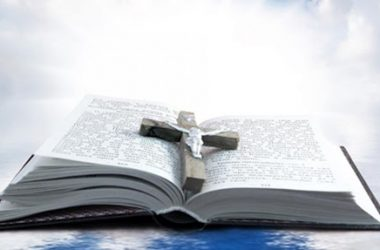 Velečasni Zlatko Sudac: Ljubiti, vjerovati i umrijeti