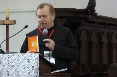 FRA IVO PAVIĆ: KRŠTENJE U DUHU – ŠANSA ZA CRKVU